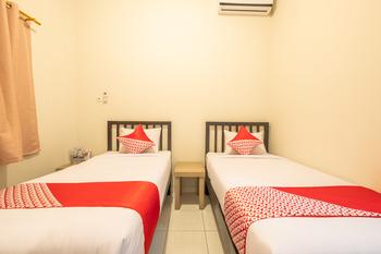 OYO 936 Tremigo Guest House Syariah Cirebon - Standard Twin Room Regular Plan