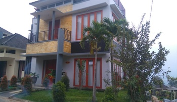 Golden Villa M31