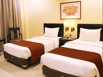 Narita Classic Hotel Surabaya - DELUXE TWIN  ROOM ONLY 2 TEMPAT TIDUR  Regular Plan