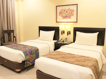 Narita Classic Hotel Surabaya - DELUXE TWIN  ROOM ONLY  Regular Plan
