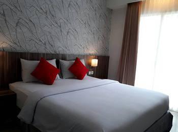 Morina Smart Hotel Malang - Superior Balkon Regular Plan