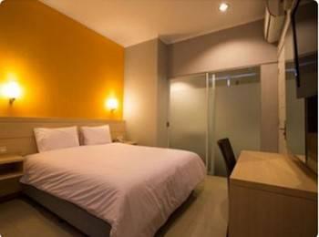 Apita Express Cirebon - Standard Double Room with Breakfast #WIDIH - Pegipegi Promotion