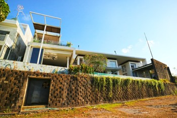 Tigadis Villa Bali - 5 Bedrooms Villa Basic Deal 50%
