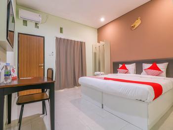 OYO 1445 Jimbaran 12 Residence Bali - Deluxe Double Room Regular Plan