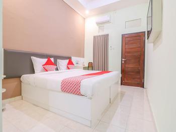 OYO 1445 Jimbaran 12 Residence Bali - Standard Double Room Regular Plan