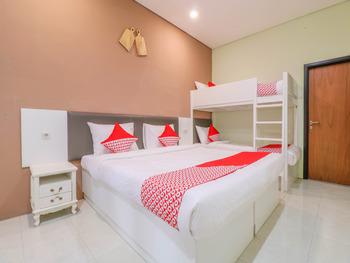OYO 1445 Jimbaran 12 Residence Bali - Suite Family Regular Plan