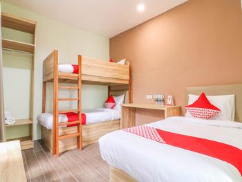 OYO 1445 Jimbaran 12 Residence Bali - Suite Triple Regular Plan