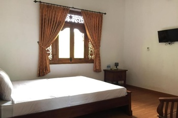 Kalaras Hotel and Villas Pangandaran - Deluxe Double Room Regular Plan