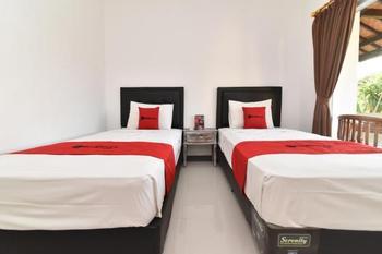 RedDoorz near Tanjung Benoa Beach Bali - RedDoorz Twin Room Basic Deal