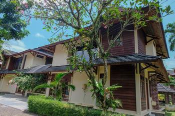 Mutiara Carita Cottages Serang - Deluxe Cottage 4 Bedroom Room Ony  Gajian
