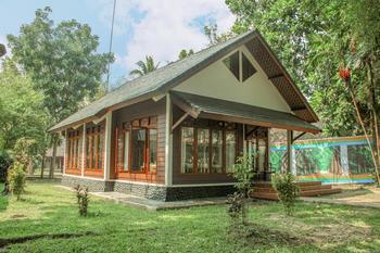 Mutiara Carita Cottages Serang - Royal Cottage 2 Bedroom Only Gajian