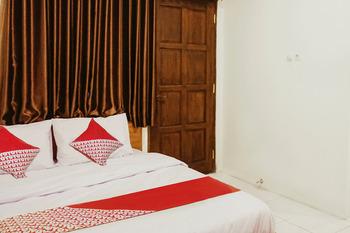 OYO 250 De'Gadri Ndalem Yogyakarta - Deluxe Double Room Regular Plan