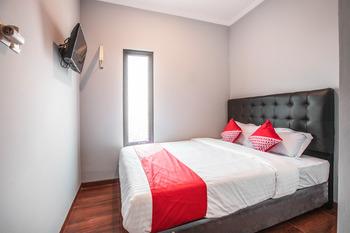 OYO 842 Arafuru Residence Jakarta - Standard Double Room Regular Plan