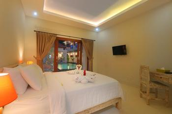 Avisara Villa & Guesthouse Bali - Deluxe Sharing Pool Room Only Regular Plan