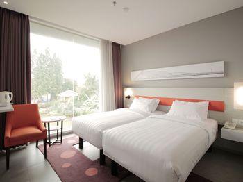 Topas Galeria Hotel Bandung - Deluxe Twin Regular Plan