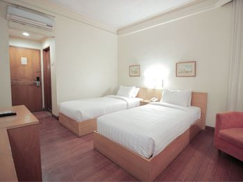 Topas Galeria Hotel Bandung - Standard Twin Regular Plan