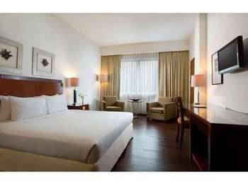 Hotel Santika Pontianak - Deluxe Room King Regular Plan
