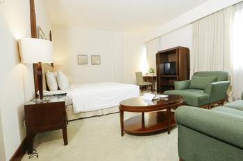 Hotel Santika Pontianak - Executive Room King Room Only Regular Plan