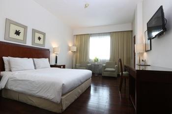 Hotel Santika Pontianak - Deluxe Room King Regular Plan