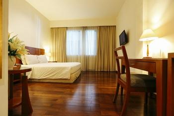 Hotel Santika Pontianak - Superior Room King Weekend Offer Room Only  Regular Plan