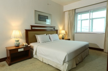 Hotel Santika Pontianak - Suite Room King Room Only  Regular Plan