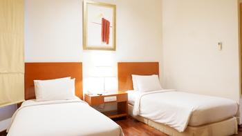 Hotel Santika Pontianak - Superior Room Twin Weekend Offer Room Only Regular Plan