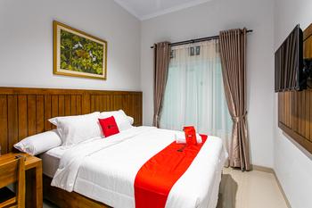 RedDoorz near Universitas Muhammadiyah Yogyakarta Yogyakarta - RedDoorz Premium 24 Hours Deal