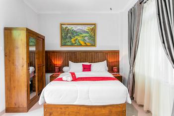 RedDoorz near Universitas Muhammadiyah Yogyakarta Yogyakarta - RedDoorz Room Last Minute