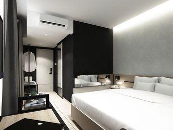 Mahima Hotel Semarang - Deluxe King (Room Only) Regular Plan