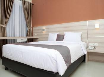 RedDoorz Plus near Pasundan University Bandung - RedDoorz Room 24 Hours Deal