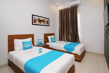 Airy Bandara Sultan Syarif Kasim II Putri Indah Pekanbaru - Deluxe Twin Room with Breakfast Regular Plan