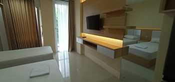 Greenpark Jogja Apartment by Denajeng Yogyakarta - Family Twin Room Only  Diskon Spesial Imlek