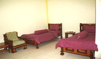 Hotel Al Madinah Pariaman Pariaman - Standard Room Regular Plan