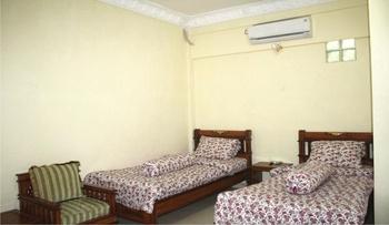 Hotel Al Madinah Pariaman Pariaman - Standard Room Only Regular Plan