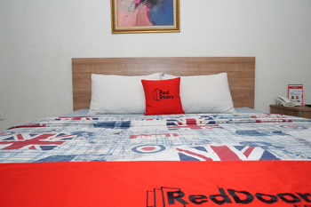 RedDoorz near Gedung Sate 2 Sadang Serang - RedDoorz Room with Breakfast Regular Plan