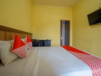 OYO 2502 Triantama Kost Syariah Palembang - Standard Double Room Regular Plan