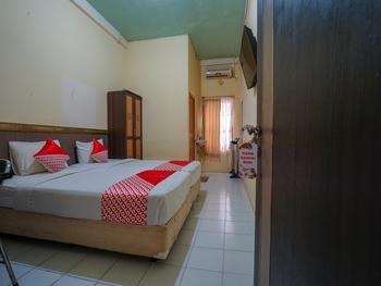 OYO 2502 Triantama Kost Syariah Palembang - Standard Twin Room Regular Plan
