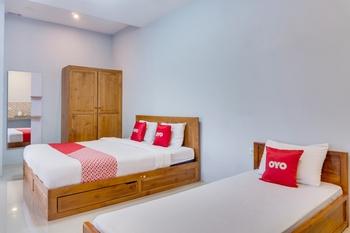 OYO 1579 Kate'el Inn Banyuwangi - Suite Triple Regular Plan