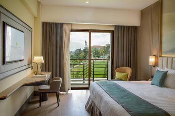 Mason Pine Hotel Bandung - Pine Deluxe King  Regular Plan