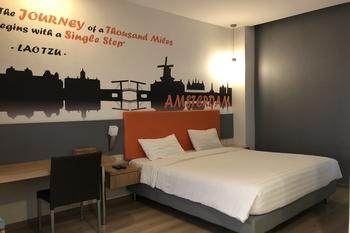 OYO 3905 Graha 100 Guest House Syariah Surabaya - Standard Double Room Last Minute Deal