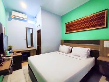 Queen Guest House Bengkulu - Deluxe Room only Regular Plan