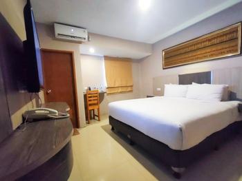 Queen Guest House Bengkulu - Executive Room only Regular Plan