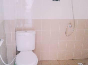 Prata Guest House Balikpapan - Standard Room Shared Bathroom Regular Plan
