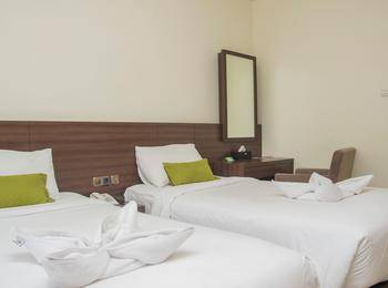 Green Eden Hotel Manado - Deluxe Twin Sea View Regular Plan