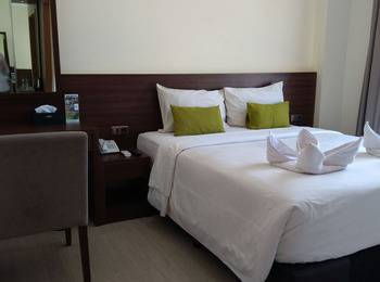 Green Eden Hotel Manado - Deluxe Double Sea View Regular Plan