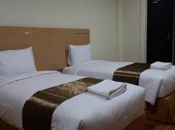 REVAYAH Hotels Manggarai - Superior Twin Plus Room  Regular Plan