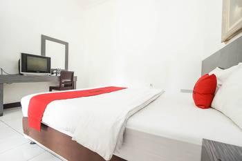 RedDoorz near Kejaksan Station Cirebon Cirebon - RedDoorz Twin Room with Breakfast LM 5%