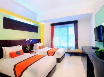 Ozz Hotel Kuta Bali - Superior Twin with breakfast Last minute Discount 45%