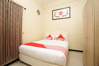 OYO 571 The House At Lebak Syariah Surabaya - Standard Double Regular Plan