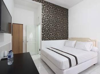 Izzi Guesthouse Exclusive Yogyakarta - Double Room Regular Plan